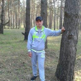 Парень из Севастополь, женат. Ищу любовницу