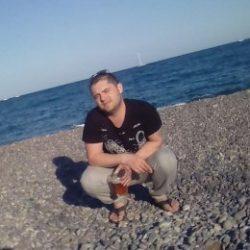 Спортивный парень ищет отличный секс с девушкой в Севастополе